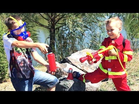 Открываем посылку с игрушками. Костюм для пожарного, пожарные наборы. Fireman set.  Юра и Nick Turbo