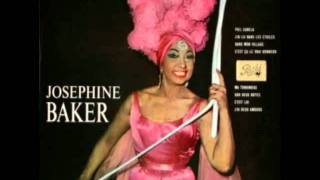 "Joséphine Baker singing ""La Petite Tonkinoise"", 1953"