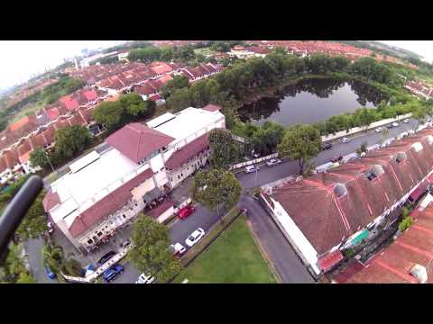 Ghost drone. Bandar Utama (BU4) : A look at the Mystery Lake and up 130m for a view at BU3.