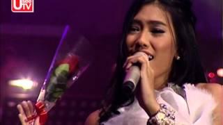[official] Vidi Aldiano feat Alika - Cinta Jangan Kau Pergi - Konser Spektakuler Duo
