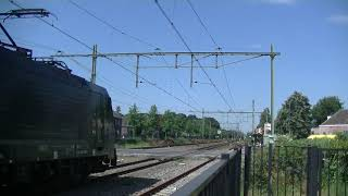 LTE 189 998 komt Los langs Gilze Rijen.