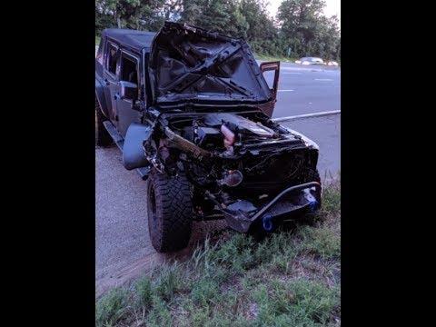 Un neumático fuera de control provoca un impactante accidente en una autopista