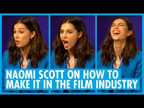 Naomi Scott Talks Ariana Grande, Spirit Animals and Dancing  - Aladdin Inter
