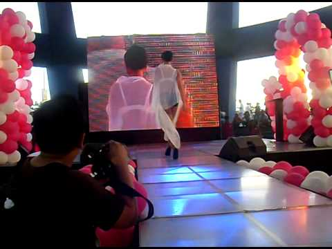 WOMAN TODAY fashion show in MALL OF ASIA