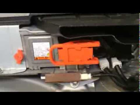 3rd Generation Prius Service Plug Grip Removal Youtube
