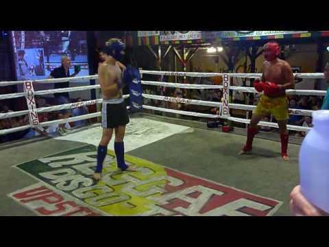 Rowan vs Henry - Muay Thai @ Reggae Bar
