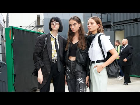 Street Style Highlights | Paris Fashion Week A/W 2018 from YouTube · Duration:  3 minutes 54 seconds