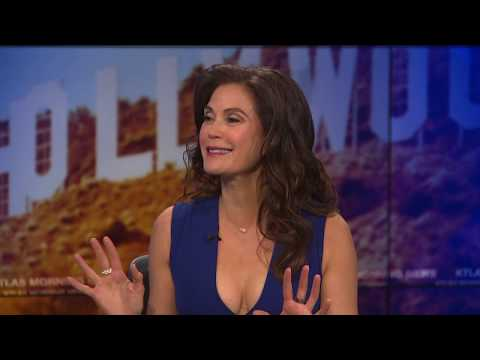 "Teri Hatcher on ""Desperate Housewives"" Reboot Possibility & YouTube Shows"