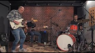 The Glen Parish Trio perform Strat Boogie live in the Studio
