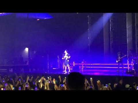Bruno Mars - Versace on the Floor (live in HK)