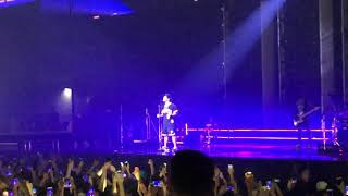 Bruno Mars - Versace on the Floor (live in HK)