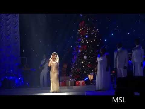 Mariah Debuts 'Where Are You Christmas' (LIVE Manchester 2017)