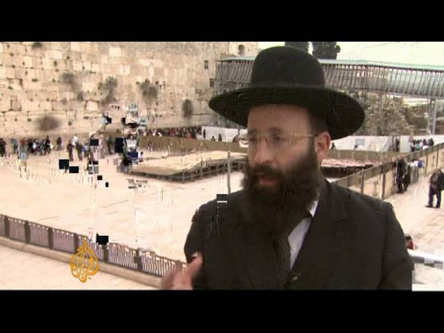 Jewish women challenge Western Wall rules