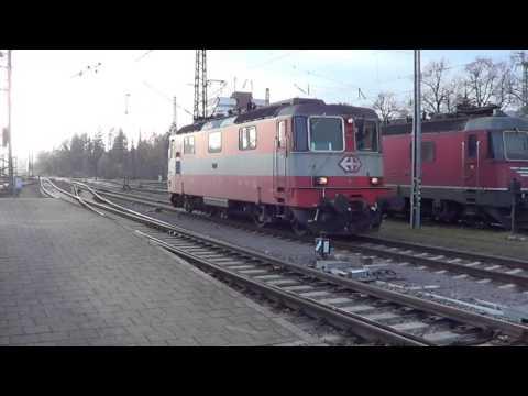 """Bahnverkehr in Singen (Hohentwiel) am 03.11.15 – """"Swiss Express, DB AutoZug und Friedenszug"""""""