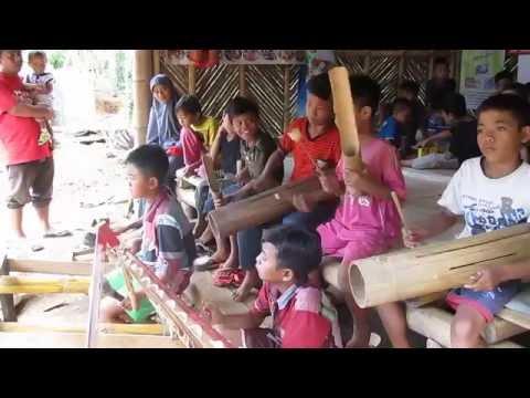 Bermain Musik Patrol Di Kampoeng Batara Banyuwangi