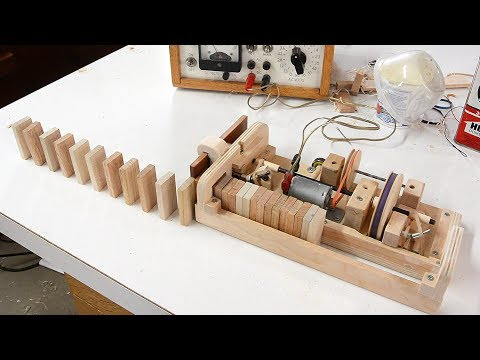 Wooden domino row building machine