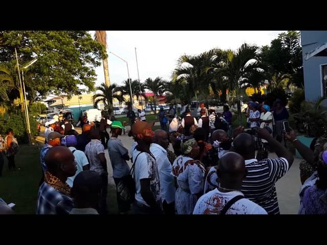 AGIDA Drong KONING van Suriname