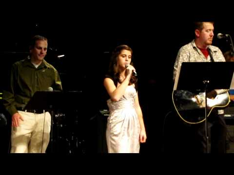 Emma Cooper sings Hark the herald angels sing for ...