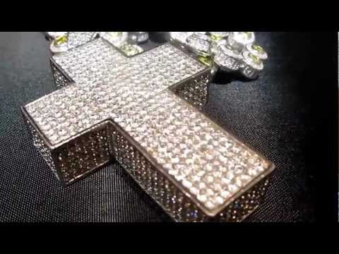 360 CHAIN & CROSS FULLY COVERED IN STONES 360