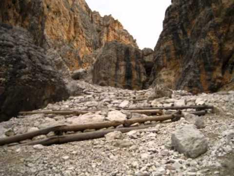 Paesaggi di montagna youtube for Casa di artigiani di montagna