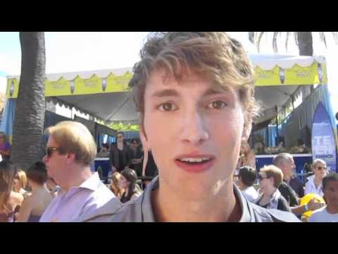BENJAMIN STONE Spills On How Girls Should Impress A Guy And His Dream Outdoor Date!
