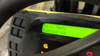 Adjusting the speed on a Hyster/Yale