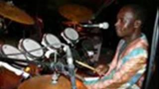 Njenje. KIlimanjaro Band. kachiri.wmv