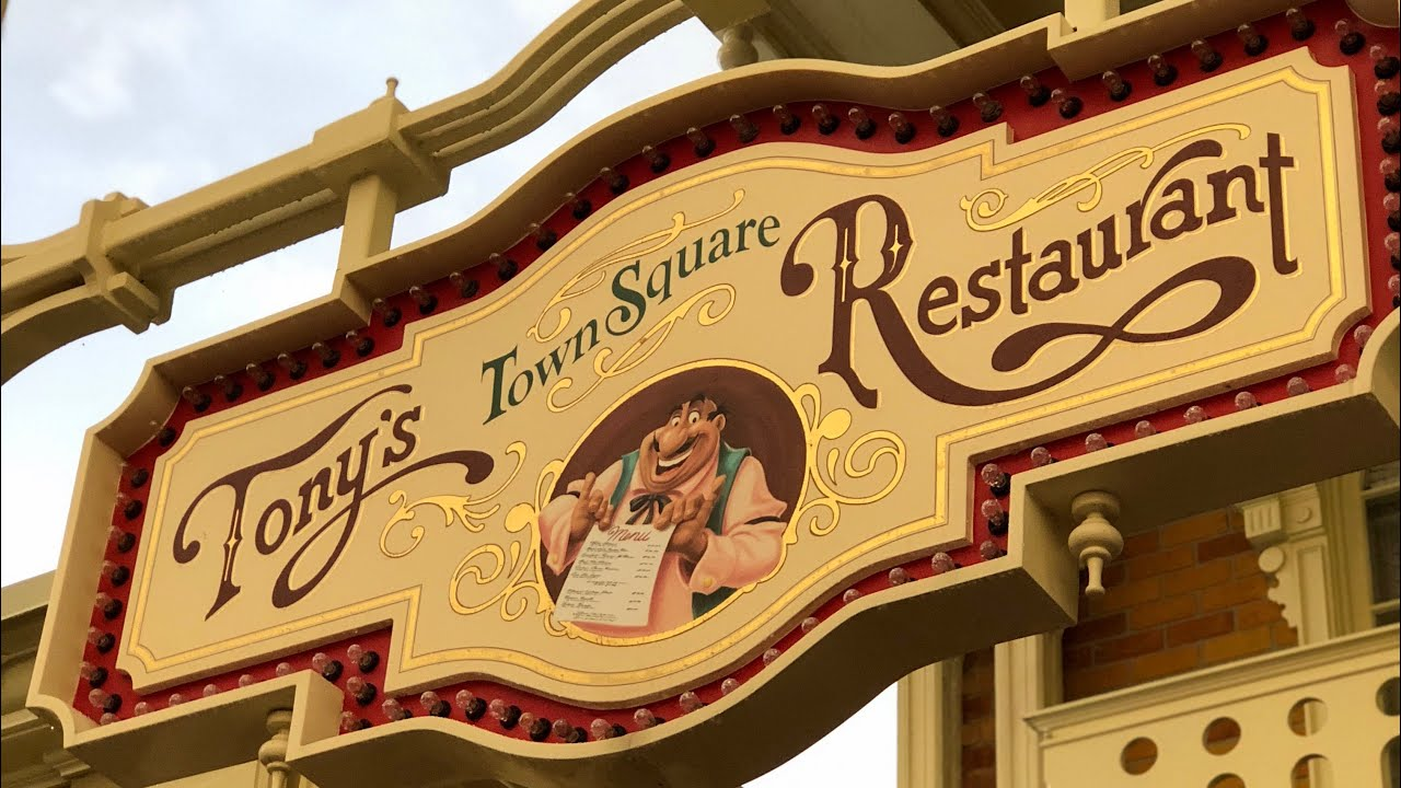 DINING REVIEW: Tony's Town Square Restaurant at Magic Kingdom