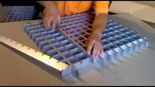 Видео по сбору подвесного потолка грильято