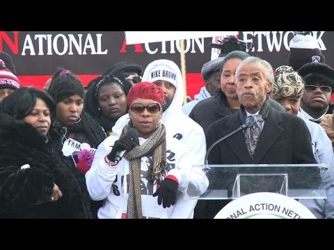 Thousands gather in Washington to protest police killings
