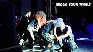 Gambar cover Dez altino humme national leBonne année Afriquà nouvo audio clip