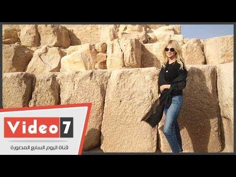 ملكة جمال روسيا تلتقط الصور فى الهرم وتزور مركب خوفو  - 15:22-2017 / 12 / 11