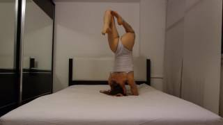BED YOGA FLOW (gentle and slow stretching) HEADSTAND AND SPLITS