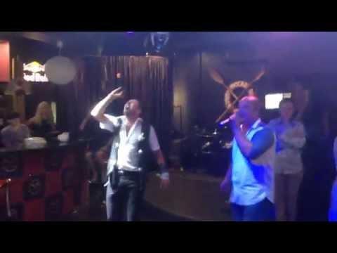 парни нереально круто поют! Владивосток. Красивые голоса