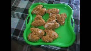 Жареные куриные крылья в панировке из Кириешек.