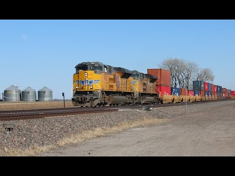 Railfanning North Bend, NE 3/8/2017 WITH UP 1989