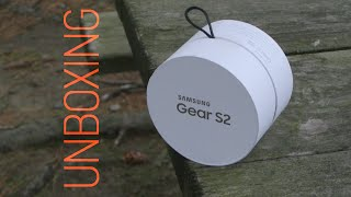 Samsung Gear S2 Unboxing - Simpler and Clickier