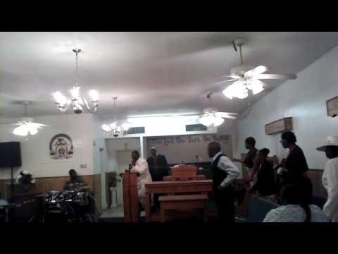 Apostle Badgers preaching at Holy Temple!
