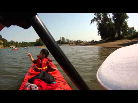 2014.08.02 our first kayak experience in Portland Willamette River