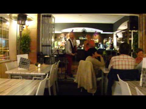 Doble Juego, Brujas Lounge, Clip 1