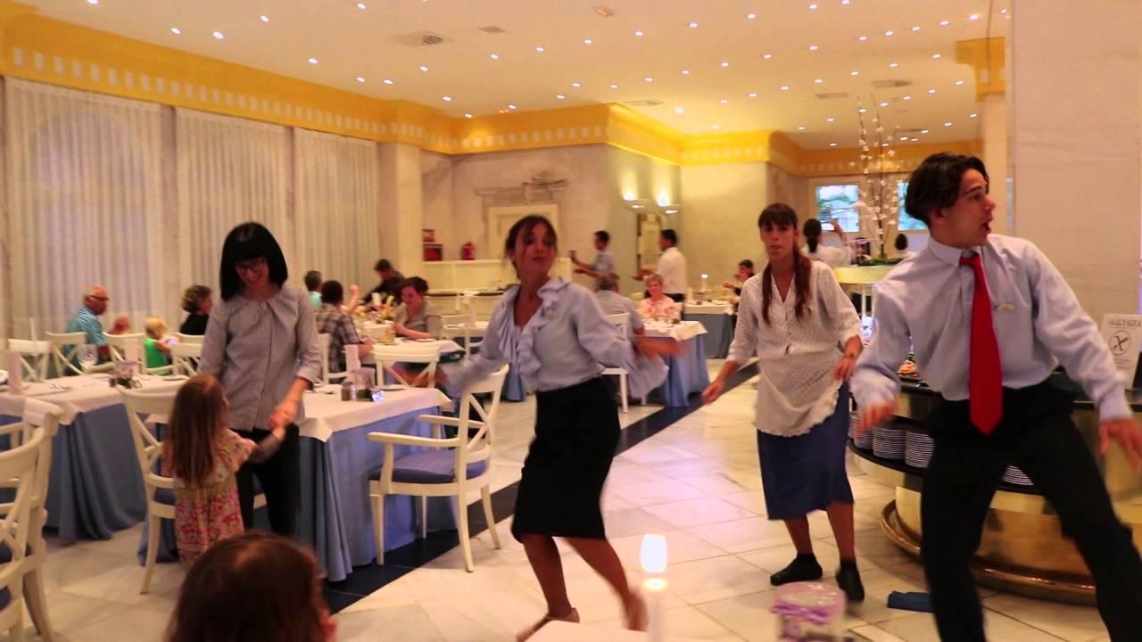 Flashmob princesa yaiza suite hotel resort buffet for Hotel princesa yaiza