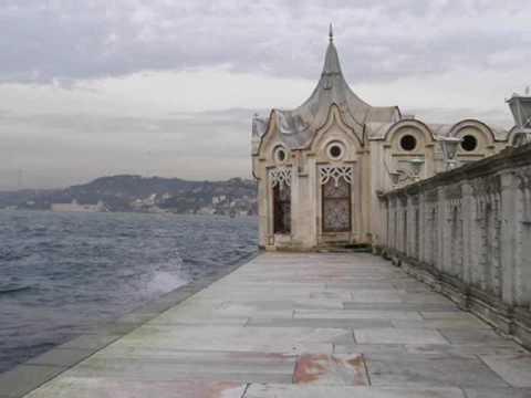 Beylerbeyi Palace in The Bosphorus Strait - Beylerbeyi Palace - All About Istanbul