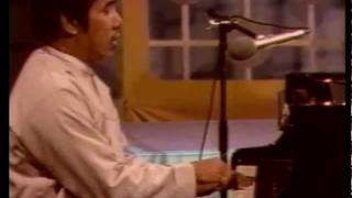 """Chit Tet Thu Ngwe Lay""; Burmese Song by ""Sann Da Yar""(Piano) Hla Htut on Myanmar TV 1987"
