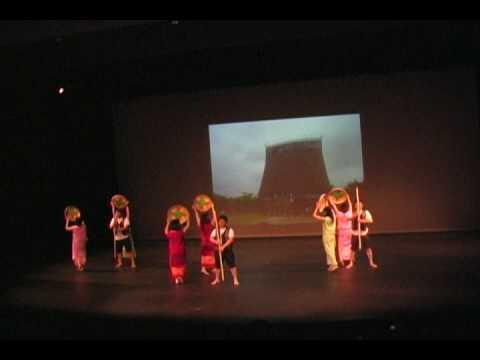 UHCL VSA 2010 Cultural Extravaganza - Tieng chay tren soc Bom Bo