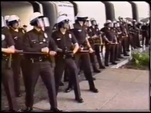 1992 LOS ANGELES RIOT- Start at the Parker Center