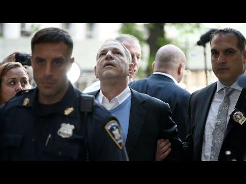 Agressions sexuelles : l'ex-producteur Harvey Weinstein s'est livré à la police