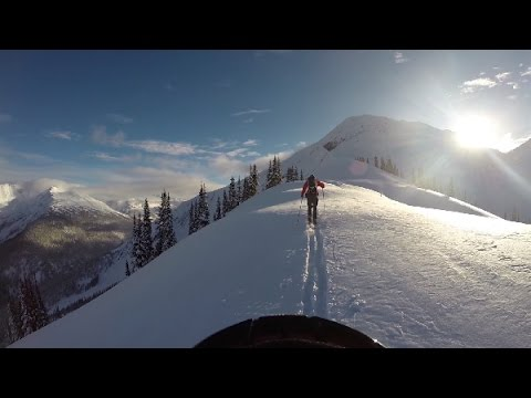 Backcountry Skiing In Rogers Pass - Daniel Landry