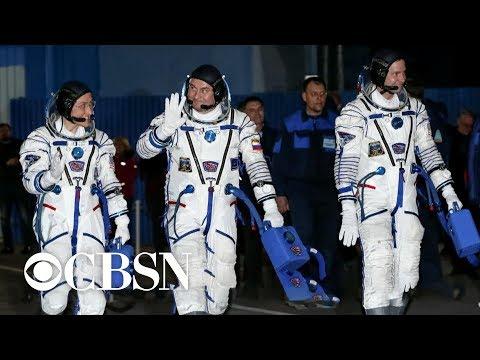 U.S.-Russian space crew launches aboard Soyuz