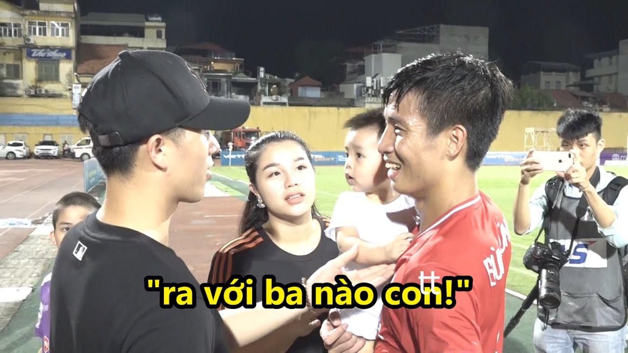 """Vợ Bùi Tiến Dũng thân mật gọi Đình Trọng là ba, Duy Mạnh """"dằn mặt"""" Dũng tư sau trận hòa 1 -1"""