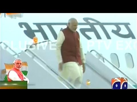 Narendra Modi Arrives in Lahore,Pakistan | Heads to Nawaz's Raiwind Residence